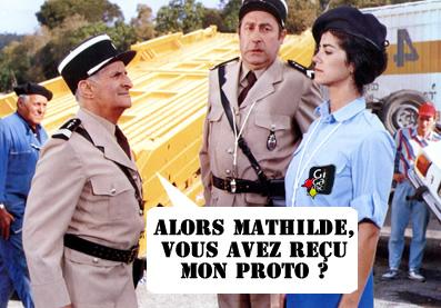 Le gendarme ne rigole pas avec son proto de petits chevaux rethématisé.