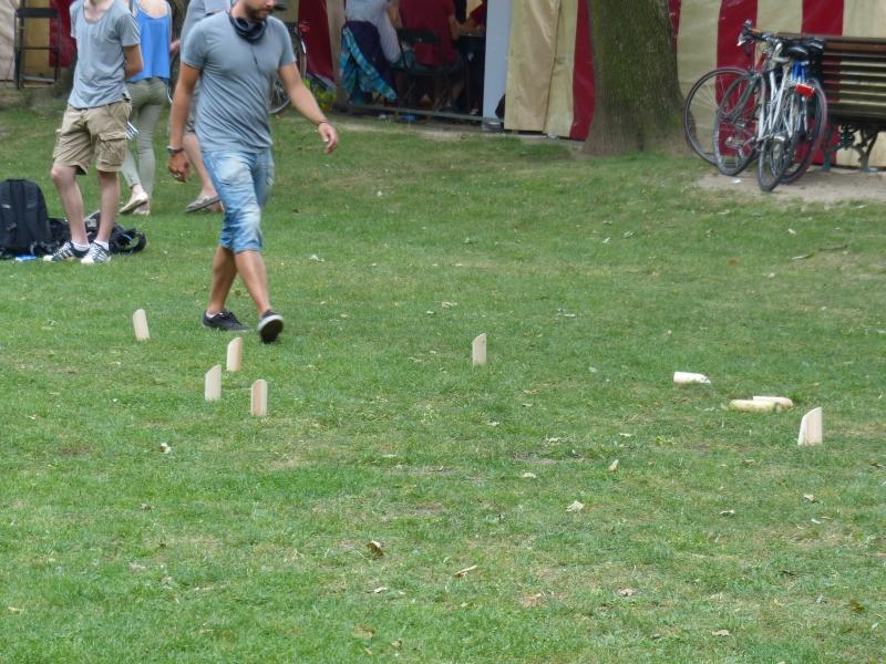 Un petit Möllky dans le parc pour se détendre après une partie de gros jeu à l'allemande !?