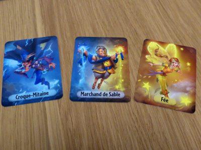 Les cartes des 3 rôles pouvant être incarnés pas les joueurs qui ne jouent pas le rêveur