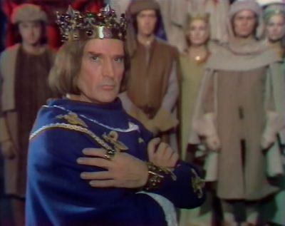 """Georges Marchal jouant Philippe IV """"le Bel"""" dans la série """"Les Rois Maudits"""" (1972)"""