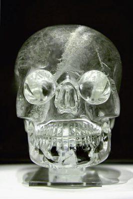 un crâne de cristal
